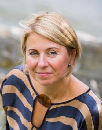 Adela-Carlsson